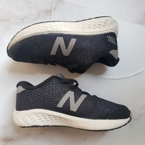 New Balance Kids Sz 7 1/2 W